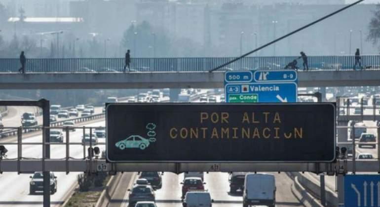 alta-contaminacion-cartel-efe.jpg