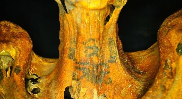 ARQUEOLOGIA: Una momia egipcia con tatuajes