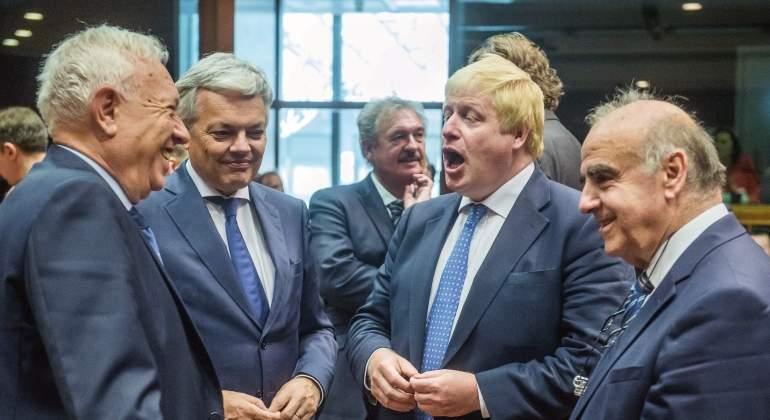 Johnson y su homólogo francés se reunirán este jueves tras las críticas de Ayrault por el Brexit
