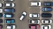 aparcamiento-coche-bateria-recurso-dreamstime.jpg