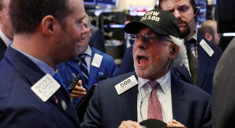 Wall Street baja por dudas sobre la reforma fiscal de EE.UU