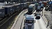 Reino Unido se ve obligado a dejar entrar más camiones extranjeros para paliar la crisis de suministros antes de Navidad