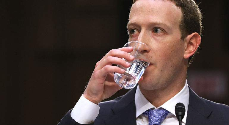 zuckerberg-facebook-vaso-getty.jpg