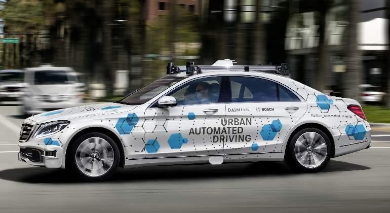 daimler-bosch-taxi-autonomo-2019-01.jpg