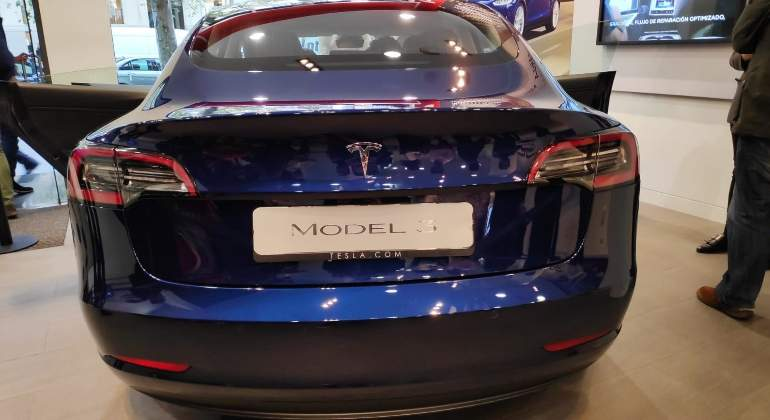tesla-model-3-madrid-02.jpg