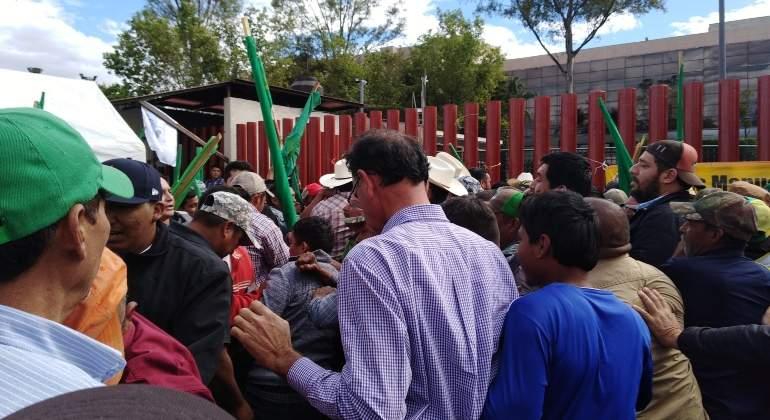 Se arma la 'campal' entre organizaciones campesinas en San Lázaro - Economíahoy.mx