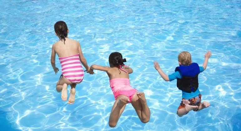 piscina-dreamstime.jpg