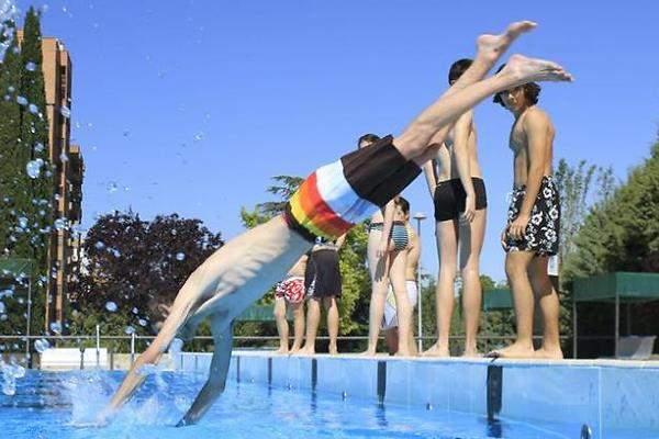 Las piscinas de madrid abren este s bado con entrada for Cuando abren las piscinas en madrid