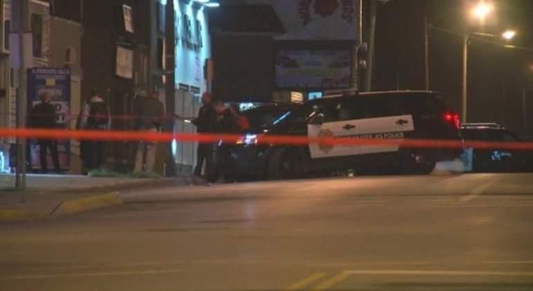 Resultado de imagen para Tiroteo en bar de Kansas deja cuatro muertos y cinco heridos