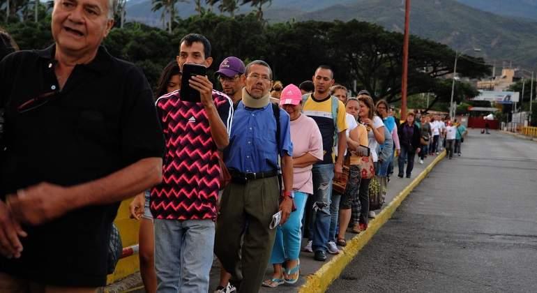 cola-puente-simon-bolivar-colombia-venezuela-efe-770x420.jpg