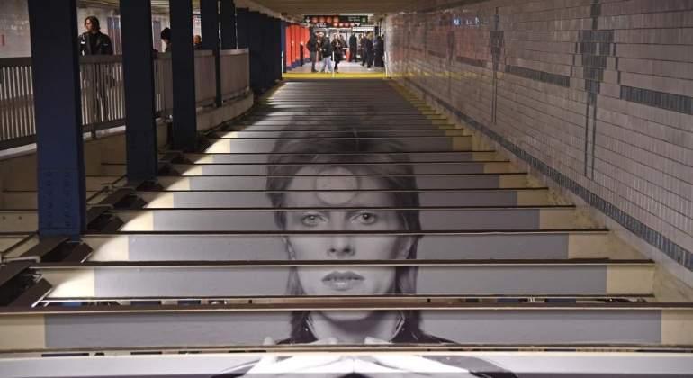 Spotify convierte una estación del metro de Nueva York en un homenaje a David Bowie