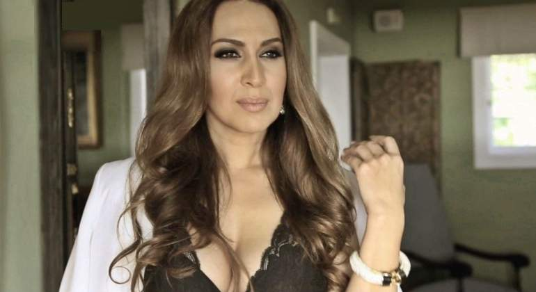 Mónica Naranjo Celebra Su Soltería Con Un Desnudo Integral