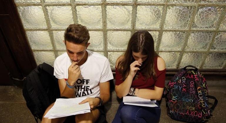 jovenes-estudiando-efe.jpg