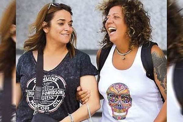 La Mujer Que Se Interpone Entre Rosana Y Toñi Moreno Es Una Ex De La Cantante Canaria Informalia Es