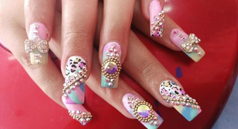 Nail art m s que una moda un trabajo de creatividad for Aplicaciones decoradas