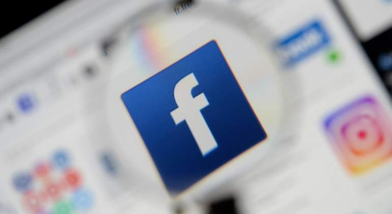 logo-facebook-reuters.jpg