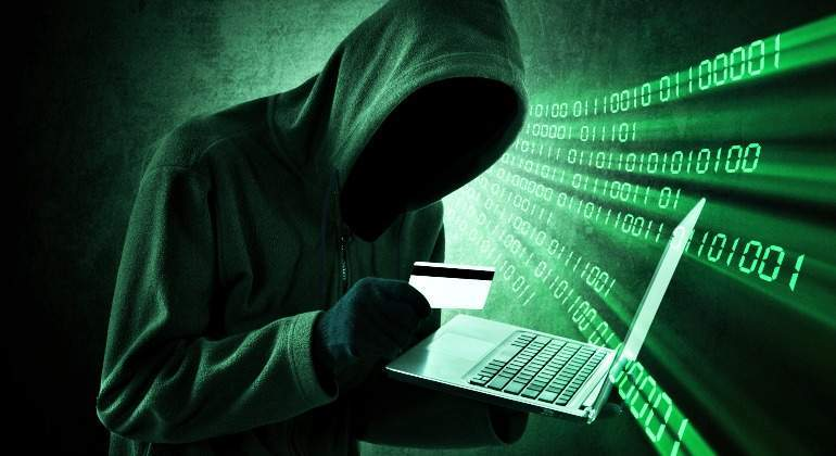 ciberataque-tarjeta-ordenador-delincuente-770.jpg