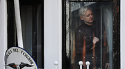 assange-embajada-reuters.png