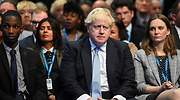 El desajuste económico pone a Johnson entre la espada y la pared: soportar meses de caos o admitir que el Brexit duro fue un err