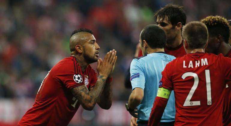 Vidal-reclama-arbitro-2016-reuters.jpg