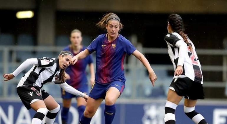 Las cuitas sindicales dinamitan la primera reunión para un convenio colectivo del fútbol femenino