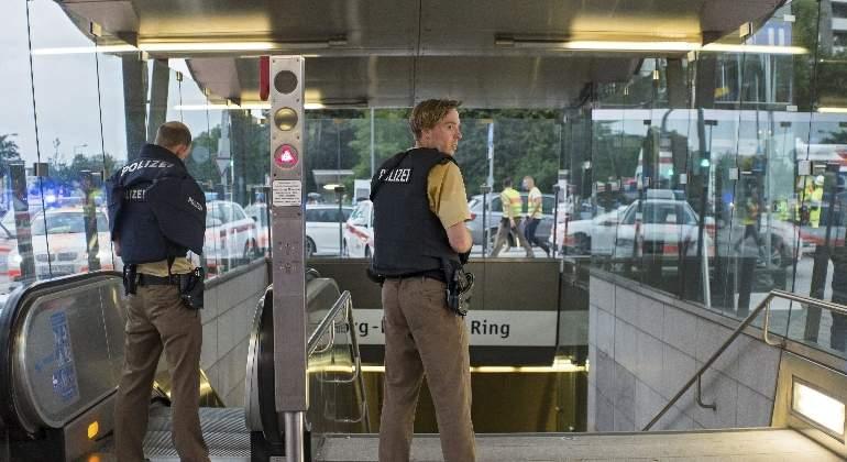 munich-policias-estacion-metro-770x420-efe.jpg