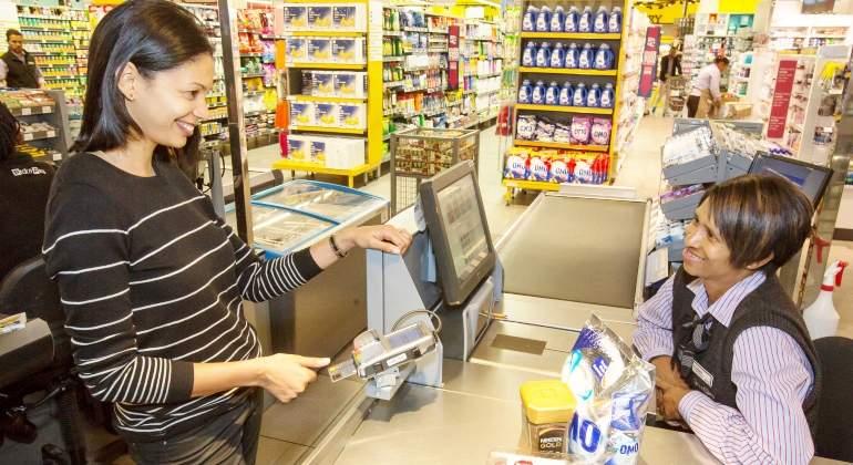 pago-primera-tarjeta-huella-dactilar-mastercard.jpg