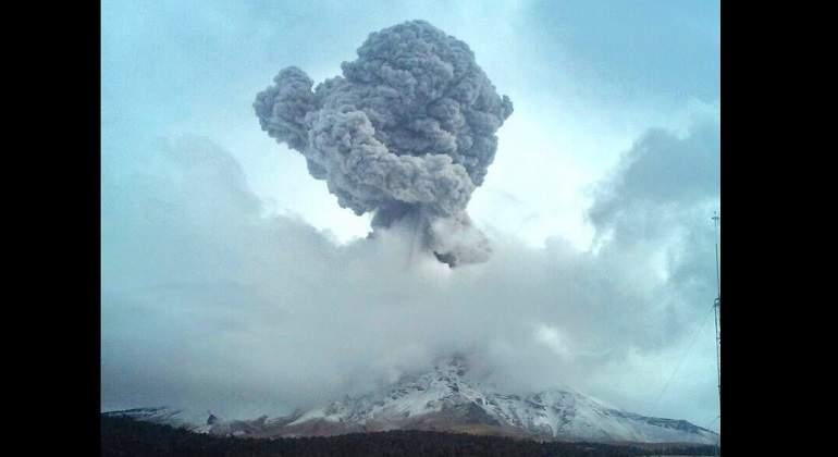 Emiten Alerta Amarilla Fase 2 por intensa actividad del volcán Popocatépetl  - economiahoy.mx