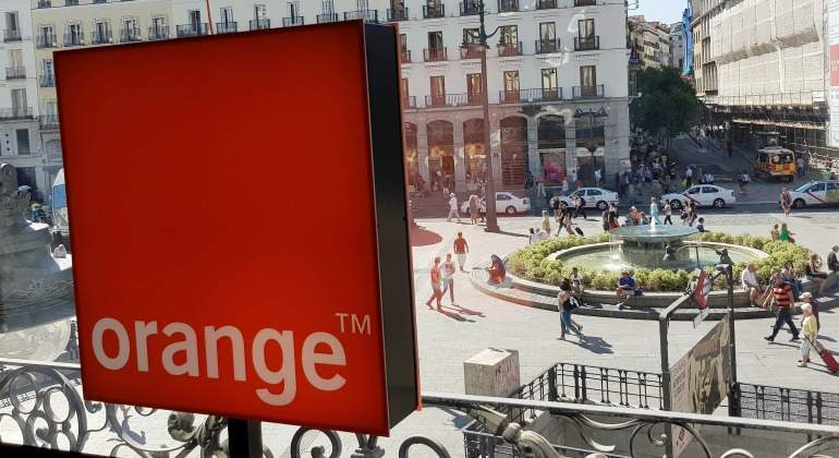 orange-puerta-sol-01.jpg