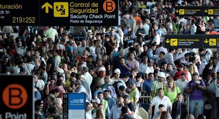 Fallo eléctrico de varias horas afecta al principal aeropuerto de Panamá