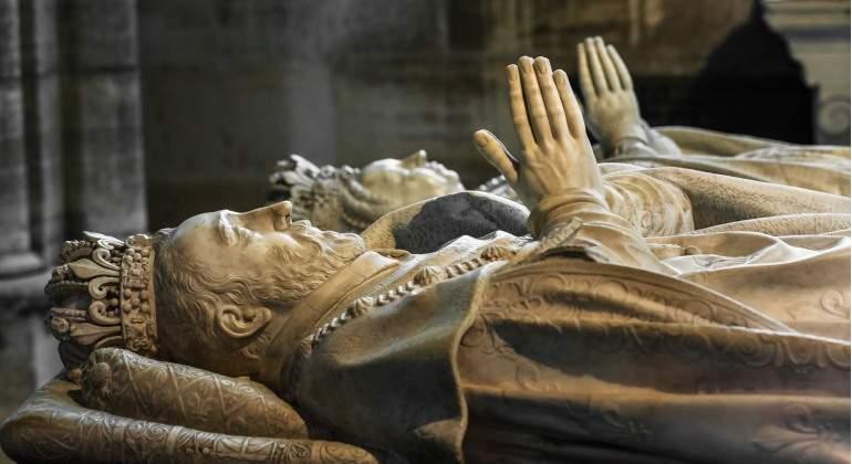 La mayoría de los reyes franceses están enterrados en Saint Denis.