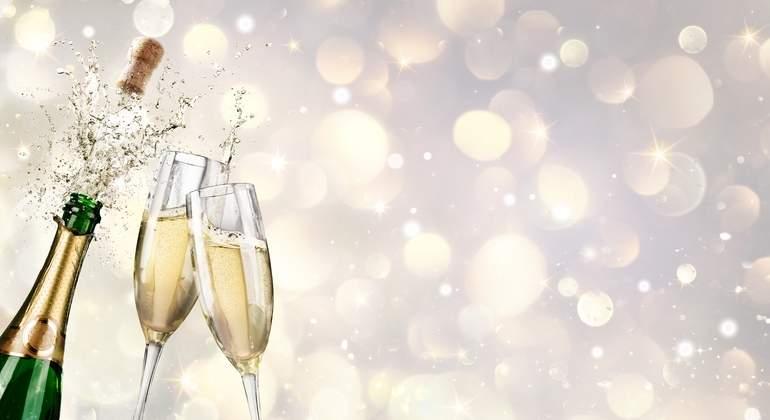Champagne-Dreamstime.jpg