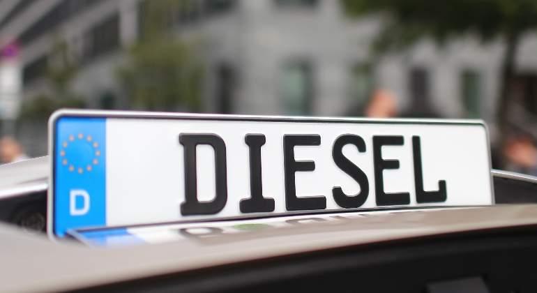 Las ventas de coches diésel en Europa acumulan una caída del 17% hasta septiembre, frente al auge de la gasolina