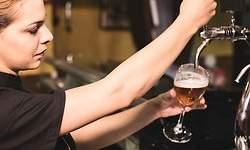 La cerveza gana al vino y supone ya el 40% de las ventas en el bar