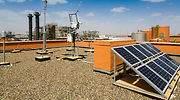 solar-panel-arriba-casa-alamy.jpg