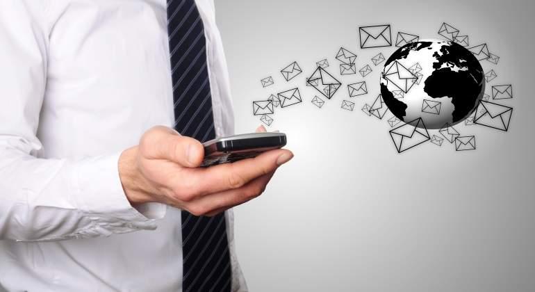 mails-dreamstime.jpg