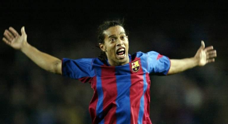 Ronaldinho-celebra-2004-reuters.jpg
