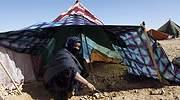 Mujer-Saharaui-en-su-tienda-de-campana.jpg