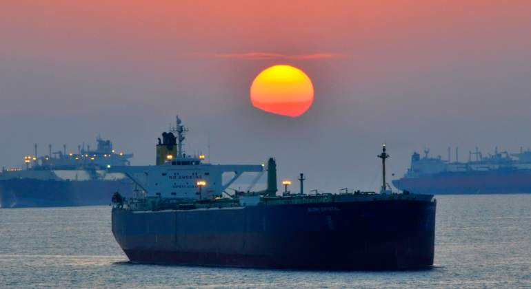 Doce superpetroleros vacíos revelan las dos realidades de petróleo af87931b1f3d9