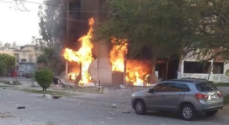 Incendio en Arcos de Zapopan consume departamentos