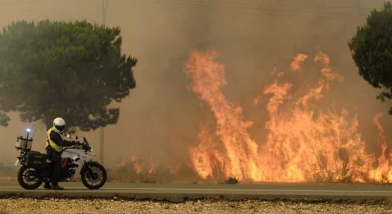 fuego-donana-huelva-moto-efe.jpg