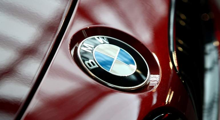 bmw-logo-reuters-2.jpg