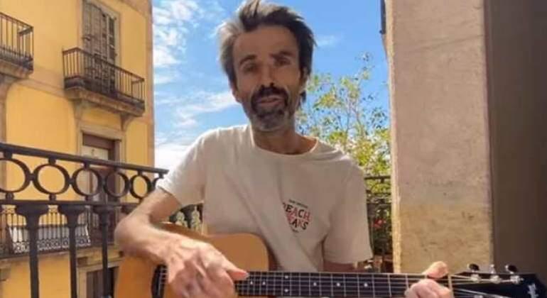 Muere Pau Donés, vocalista de Jarabe de Palo, a los 53 años ...