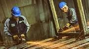 Obreros-del-metal-trabajando-Istock-770-x-420.jpg