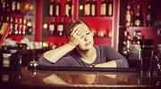 camarera-afiliados-extranjeros-bar-dreamstime.jpg