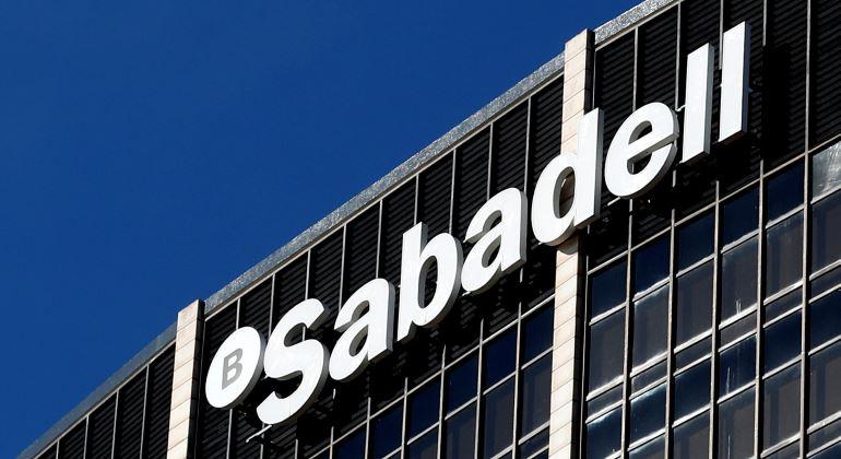 Banco Sabadell vende su gestora a Amundi por 430 millones de euros