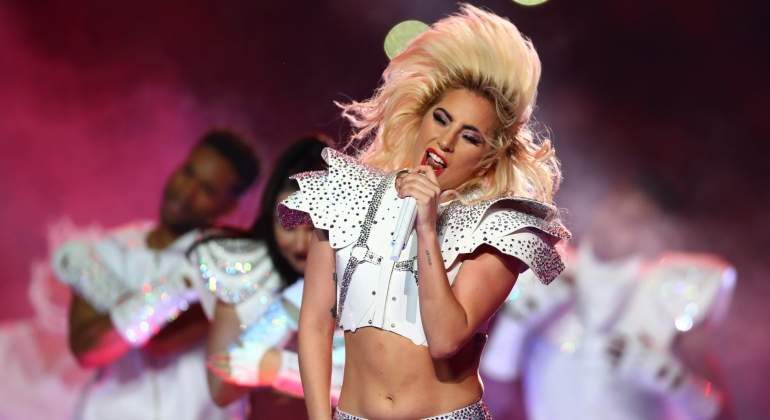 lady-gaga-superbowl-reuters.jpg