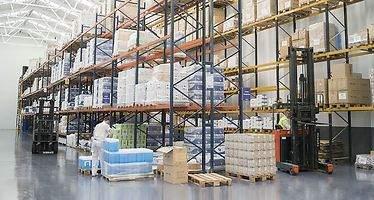 La logística se planta ante Amazon en el mes clave del reparto de paquetes