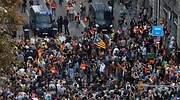 Las concentraciones pacíficas de protesta en Cataluña acaban eclipsadas por graves disturbios