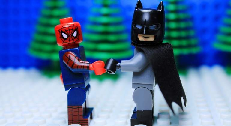 spiderman-batman-dreamstime.jpg